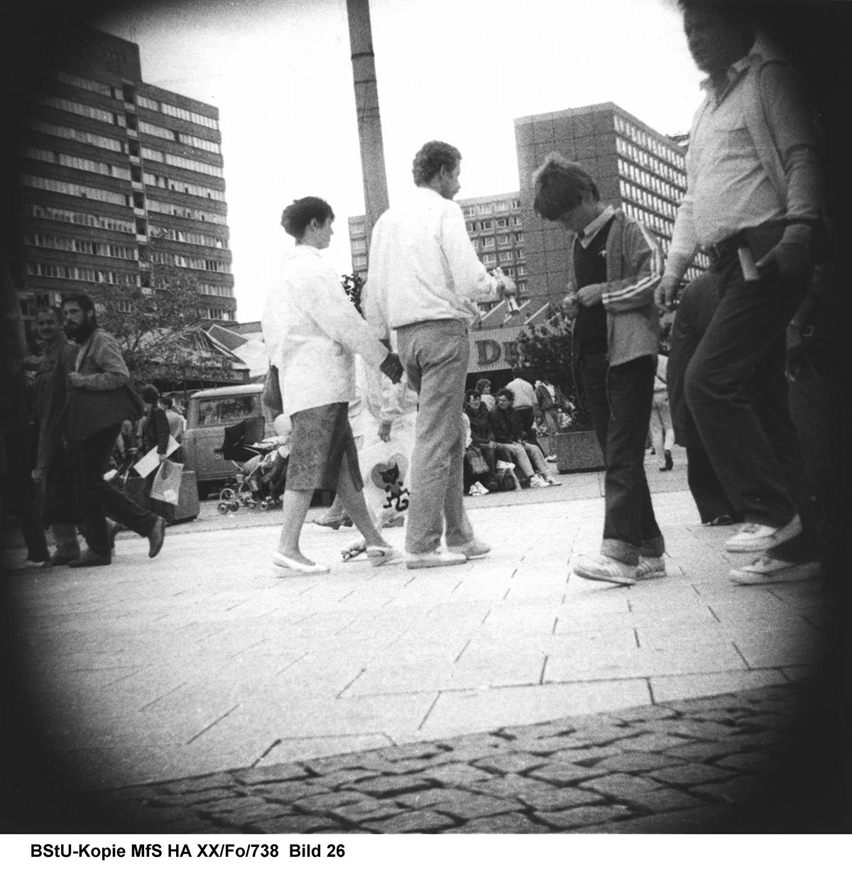 Keyvisual der Ausstellung: Überwachungsfoto der Stasi