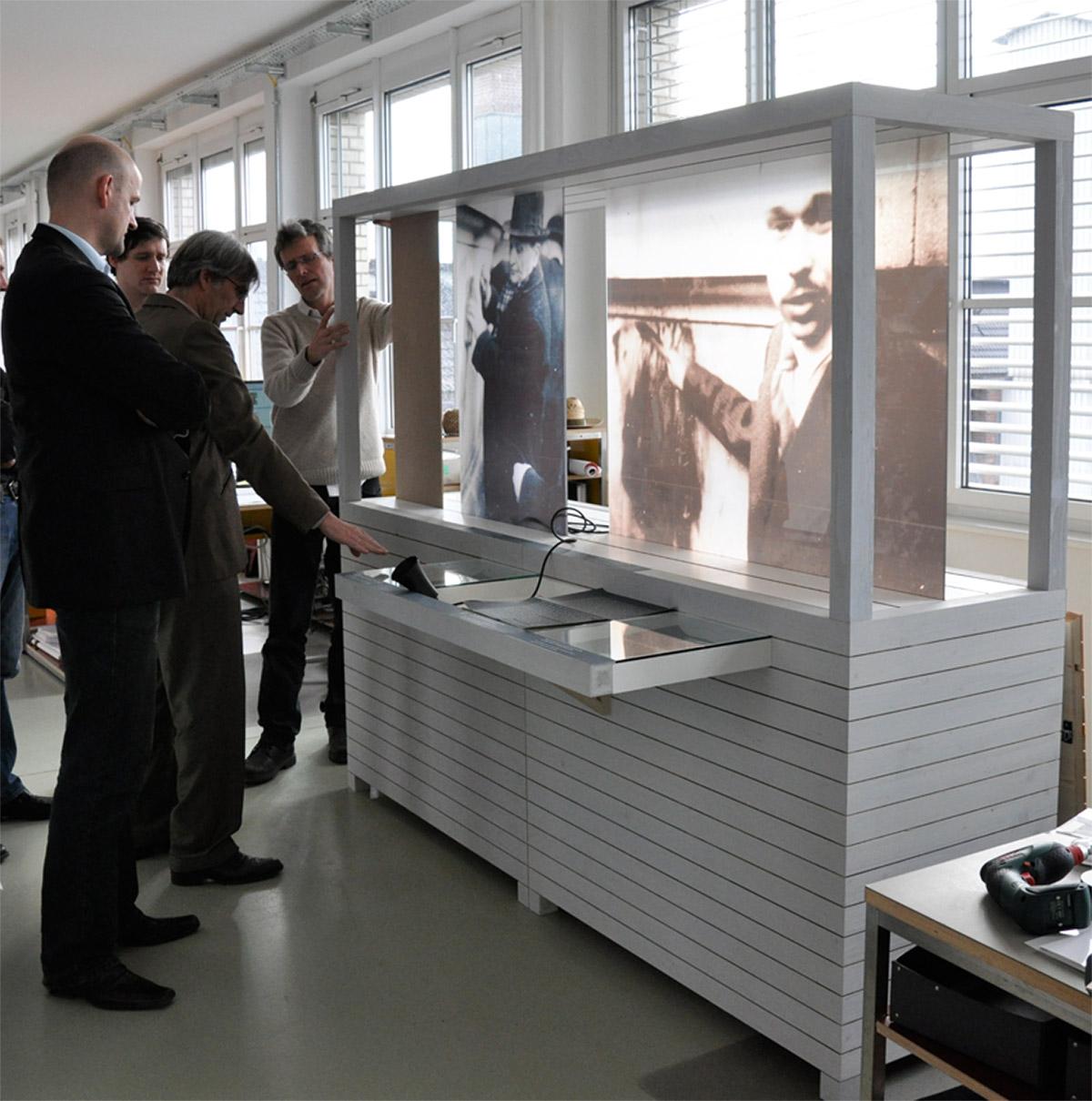 Prototypenbau eines Ausstellungsmoduls